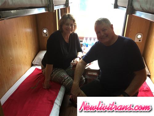 Đoàn Khách Cao Tuổi Người Australia Trên Tàu Newlivitrans
