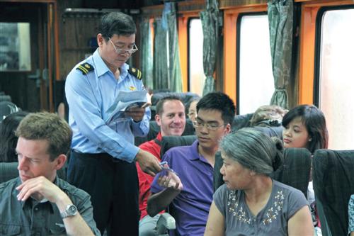 Giảm giá mạnh đối với hành khách mua vé đi tàu Thống Nhất sau hè trước nhiều ngày