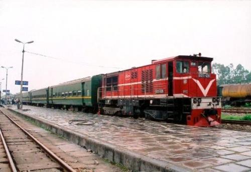 Tuyến tàu hỏa - đường sắt vào Huế